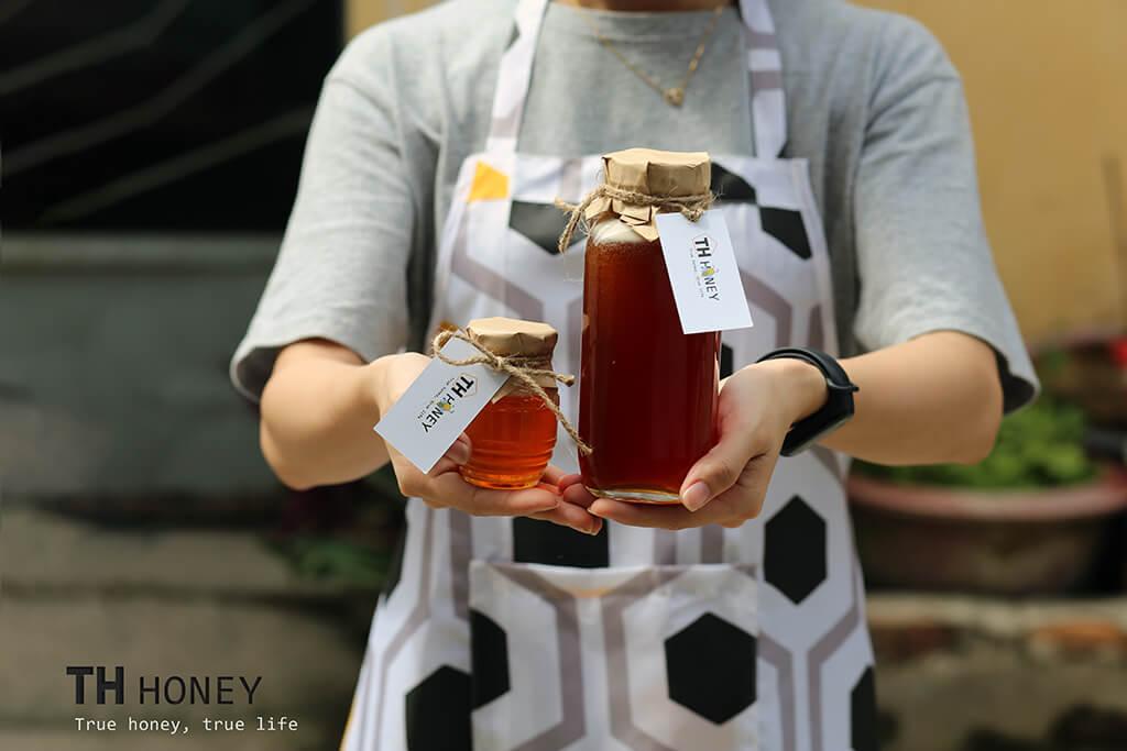 mat-ong-rung-tay-nguyen-th-honey